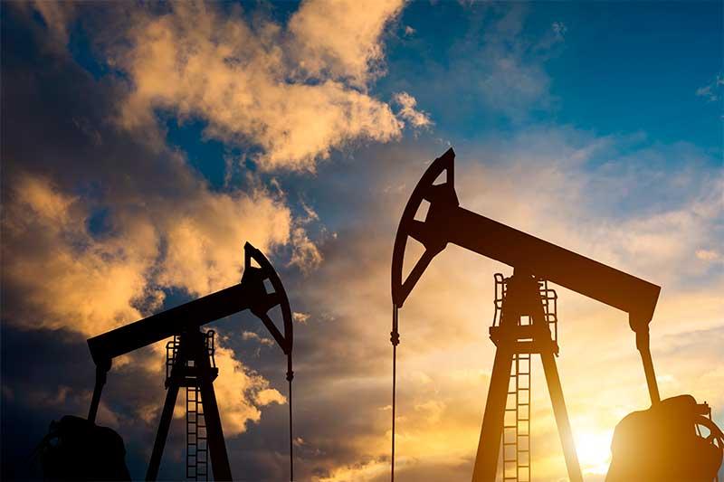 oil-pump-sunset-world-oil-industry
